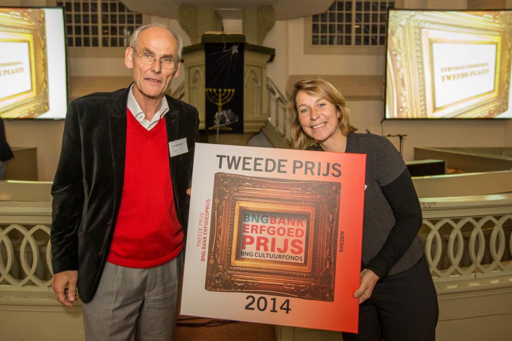 Tweede Plaats gemeente Rheden - BNG Bank Erfgoedprijs 2014. Juryvoorzitter James van Lidth de Jeude en wethouder Nicole Olland