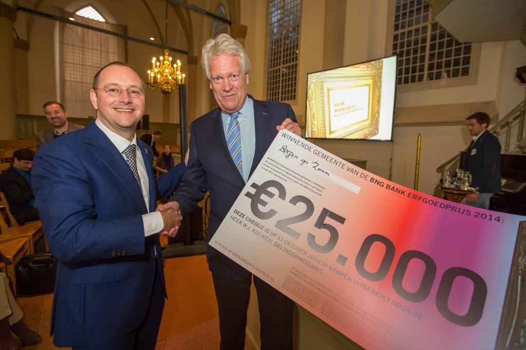 Gemeente Bergen op Zoom winnaar BNG Bank Erfgoedprijs 2014. wethouder + Deltacommissaris Wim Kuijken